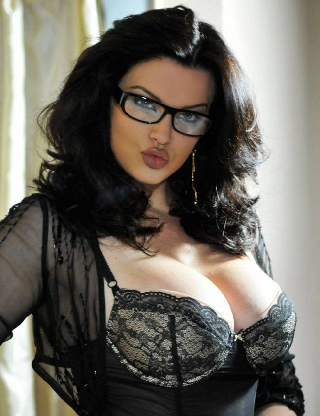 women big breast dating Datingbigboobsgirlscom - the best big boobs dating site and app for girls with big boobs, big breasted girls and big breast lovers it is free to join for girls with big boobs and big breast lovers for friendship, romance even marriage.