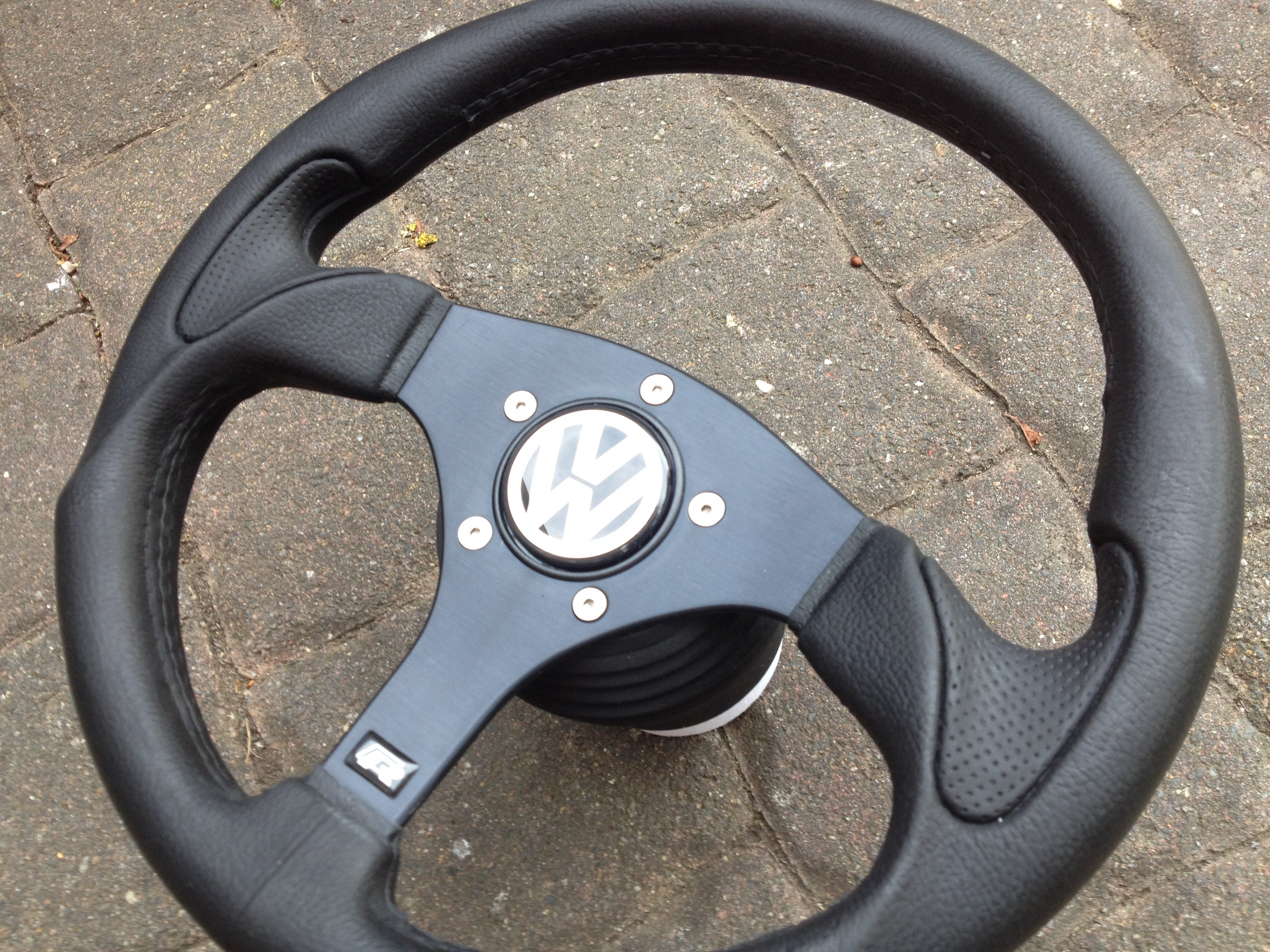 sport volant victor moyeu vw golf 1 2 3 gti cabrio. Black Bedroom Furniture Sets. Home Design Ideas